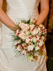 Ramo de novia de rosas color champagne