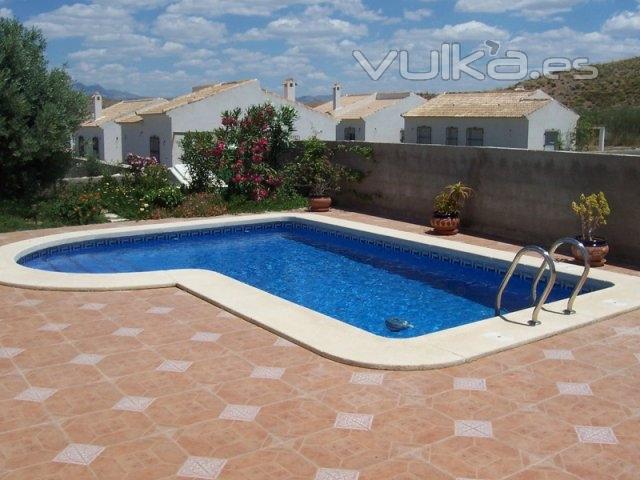 foto modelo de piscina para particulares