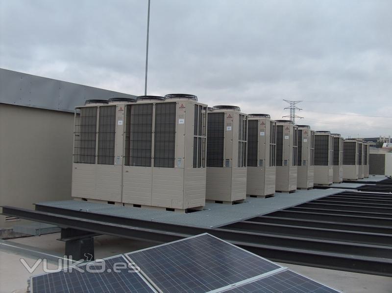 Foto sistema vrv climatizacion for Instalacion aire acondicionado sevilla