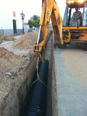 Mejoras del saneamiento en avda del valle en manzanilla
