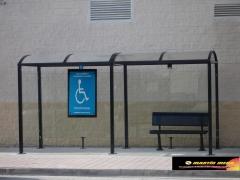 Marquesina de autob�s accesible para todos los publicos