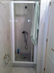 Cambio de plato de ducha antes de ser reformado.