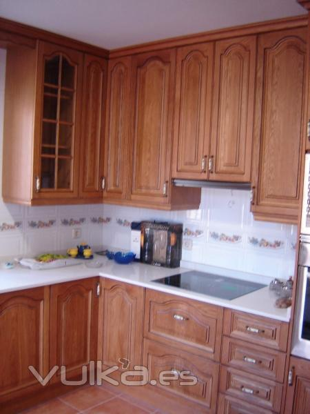 Foto cocina clasica en madera de roble - Cocinas clasicas fotos ...