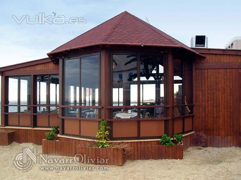 Foto chiringuito de madera para playa de 150 metros for Disenos de kioscos de madera