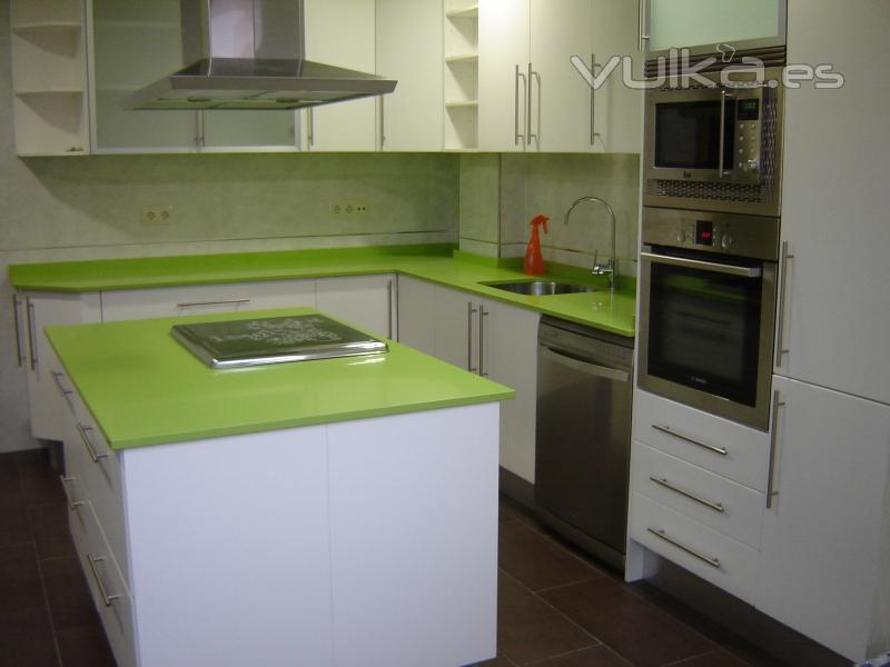 Foto cocina en pvc blanco soft for M s mobiliario auxiliar para tu cocina s l