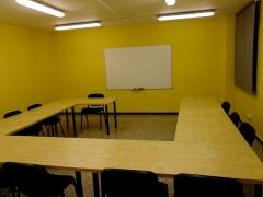 Aula de millora / aula de mejora dispone de una sala para formación de 30 metros cuadrados.