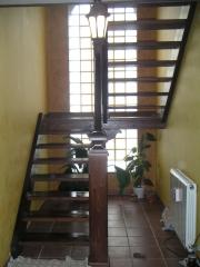 Escalera de pino sin tabicas