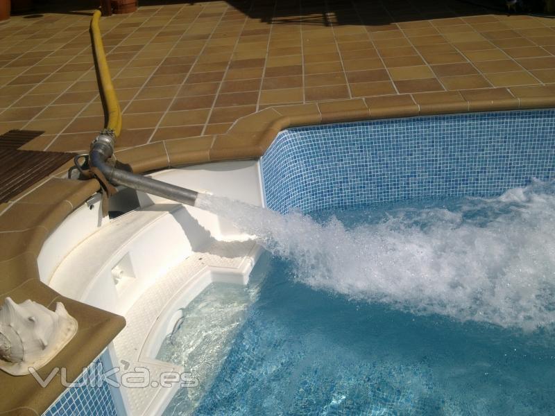 Staguatrans abastecimiento de agua barcelona terrassa for Llenar piscina
