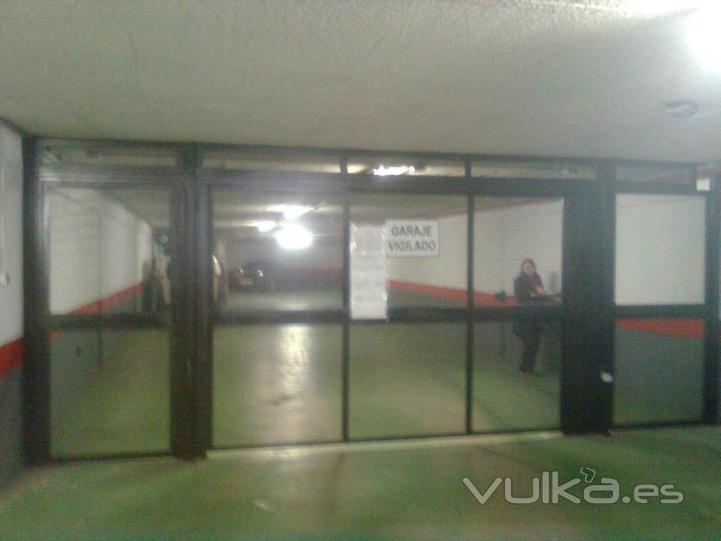 Monmatic s l puertas y automatismos - Puerta garaje abatible ...