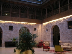 Revestimiento del hotel convento de las claras - pe�afiel (valladolid)