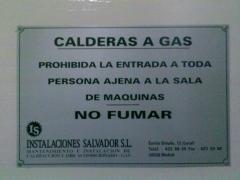 Placa de idintificacion de entrada sala de calderas de gas natural wwwinstalacionessalvador.com