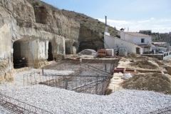 Ejecuci�n de cimentaci�n para ampliar casa-cueva