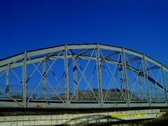Puente de acero sobre el rio argos calasparra murcia