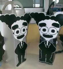 botellero personalizado creado para Groucho Bar de Sevilla