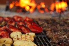 Carnes y verduras a la brasa
