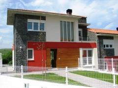 Altamira 21 propiedades inmobiliarias en cantabria presenta la urbanizaci�n cormor�n en hinojedo.