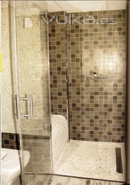 Foto bancos o asientos prefabricados para embaldosar para - Fotos de duchas de obra ...