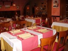 Salon principal del restaurante serrano