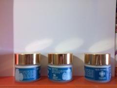 Crema antiarrugas  theman contribuye a que tus musculos y la piel del rostro se  mantengan  firmes