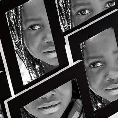Portafotos live aluminio negro 10x15 6 fotos en lallimona.com detalle1