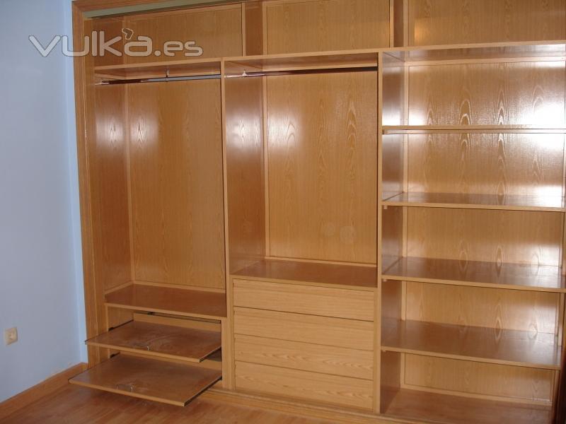 Foto interior armario empotrado for Diseno interior de armarios