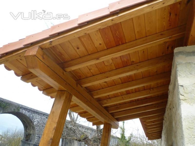 Foto cubierta a un agua en madera de alerce con porche - Construccion de porche de madera ...