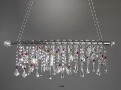 L�mpara chandelier de vidrios de colores.