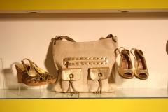 Tienda de moda se�ora , calzado , ropa , bolsos , complementos , bisuter�a  foto 0202