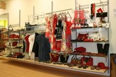 Tienda de moda se�ora , calzado , ropa , bolsos , complementos , bisuter�a tempo 0105
