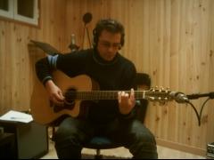 Gino LaRed grabando en IM Estudios
