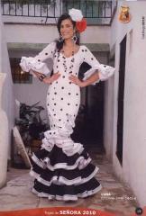Modistas, costureras, vestidos de sevillanas, vestidos de novia, vestidos de comuni�n,