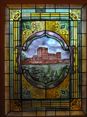 Vidriera emplomada clásica pintada al horno. ventana fija exterior.vivienda particular.