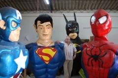 Pasacalle superheroes en construccion