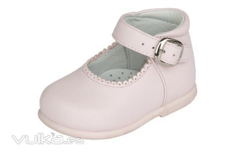 16f3ed64925 Foto  Mercedes niña abotinada especial primeros pasos napa rosa