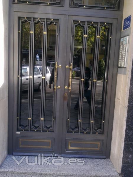 Talleres anne 2007 for Modelos de puertas metalicas para exteriores