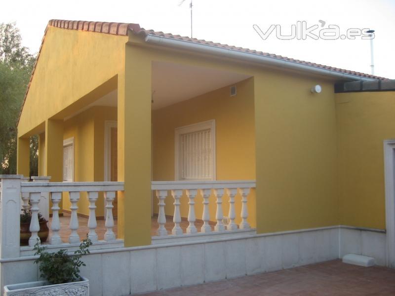 Foto pintado de fachada en color - Pintado de fachadas ...