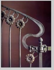 La versatilidad del hierro realizamos trabajos �tiles  como elemento de seguridad en viviendas y loc