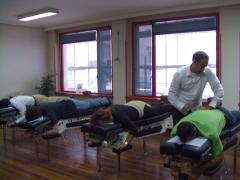 Centro barry quiropractica. quiropractor mark. experto en subluxacion vertebral.