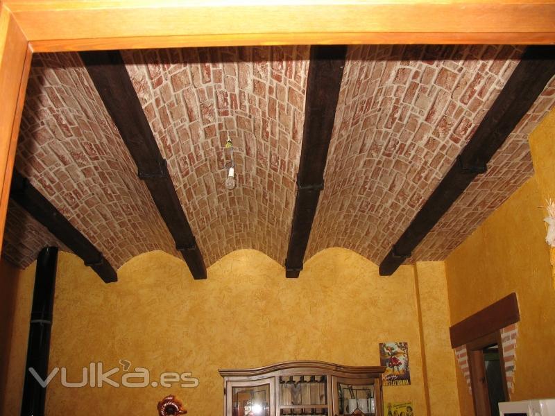 Foto bodega con falso techo de pladur empapelado con - Paredes de pladur o ladrillo ...