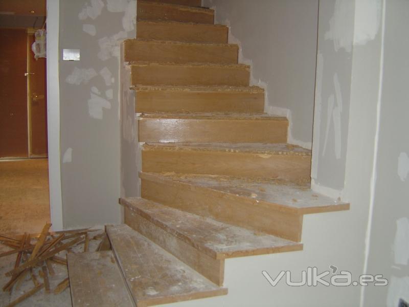 Foto revestimiento de escalera - Revestimiento para escaleras ...