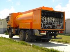 Camion cisterna para abastecimiento de maquinaria en obras (aceites, valvulina, agua, combustible..)