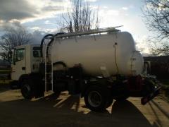 Carrozamos camiones para desatascos en redes de saneamiento. Funciones automaticas.