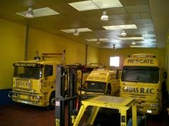 Oficina y vehiculos