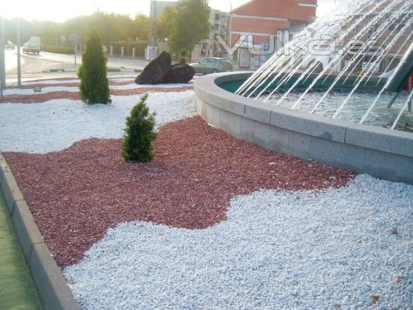 Triturados reylo s a - Piedra decorativa jardin ...