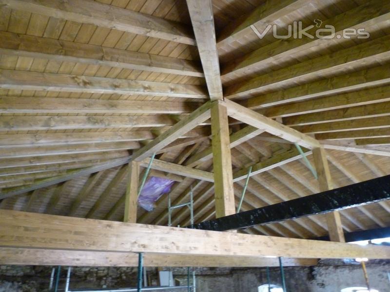 Arteaga estructuras de madera for Tejados de madera a 4 aguas