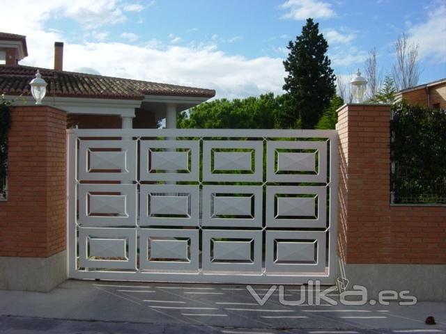 puerta corredera de plafones