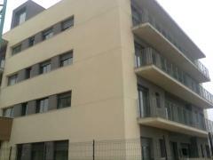 Otra vista del edificio de deltebre (tarragona) instalación de carpinteria de aluminio