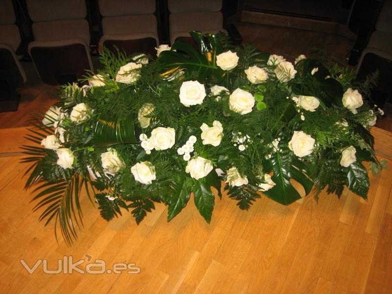 Foto flores allium decoracion flores escenario en madrid - Decoracion en espana ...