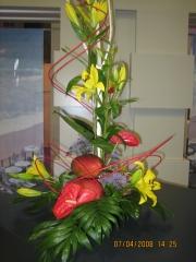 Decoracion con flores frescas para centro de mesa de allium floristas
