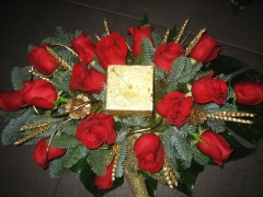 Centro de mesa de rosas frescas de allium floristas en madrid
